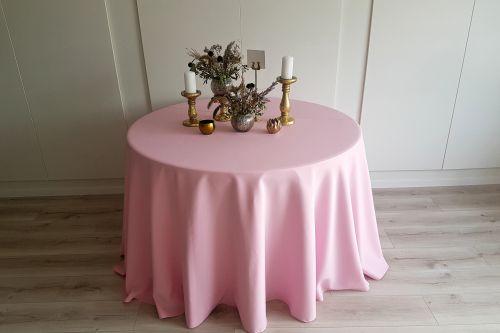 Baby pink apaļais galdauts