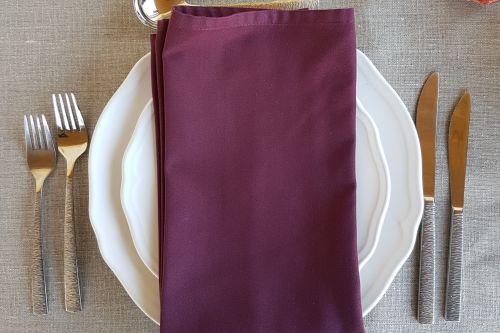 Baklažāna krāsas salvetes