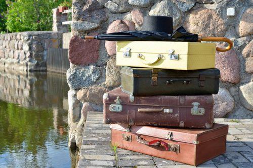 Koferu kmplekts