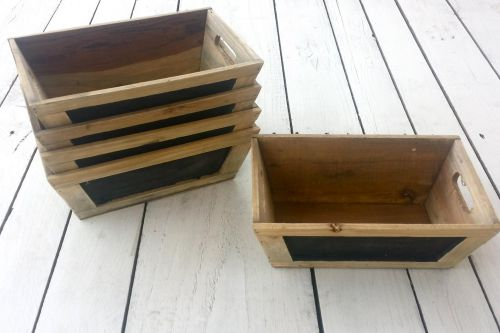 Koka kastes ar tāfeles maliņu