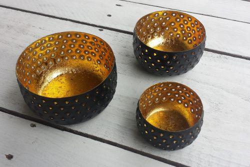 Melni ar zeltu svečturu komplekts
