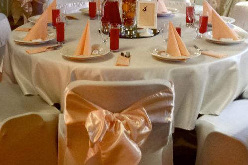 Persika krāsas krēslu lentes