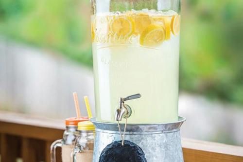 Stikla dzērienu tvertnes