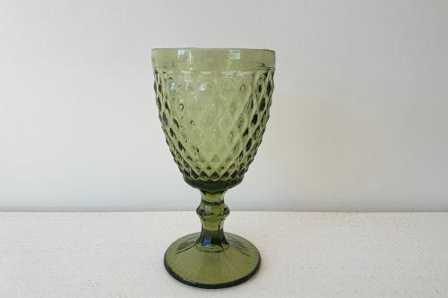 Zaļas stikla glāzes