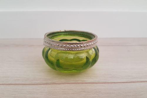 Zaļi tējas sveču svečturi ar metāla maliņu